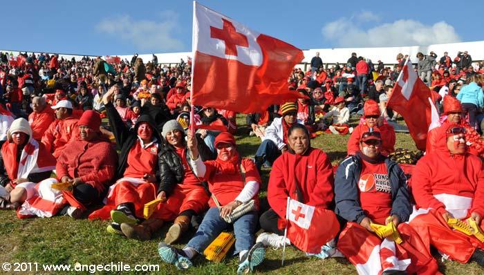Hinchas de Tonga durante el partido de Tonga vs Canadá en el mundial de rugby